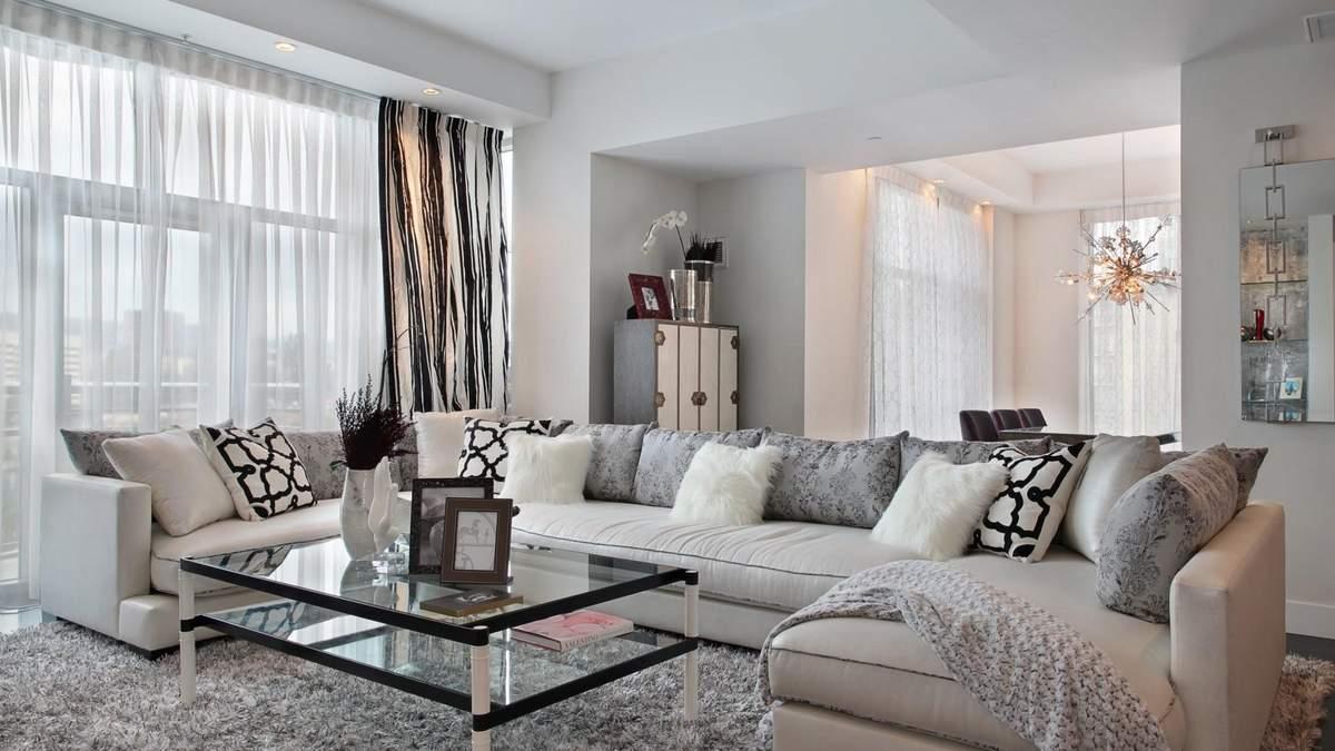 Декор вітальні: що поставити на столик біля дивану