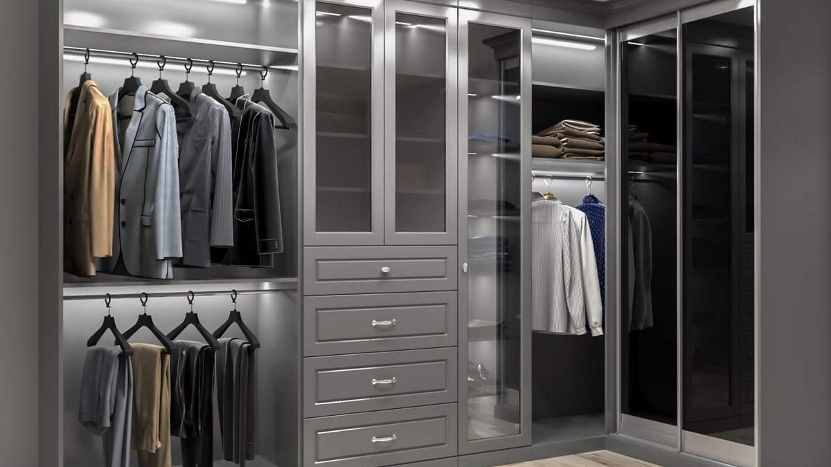 Відкрита гардеробна у спальні: що це за рішення та кому воно підійде