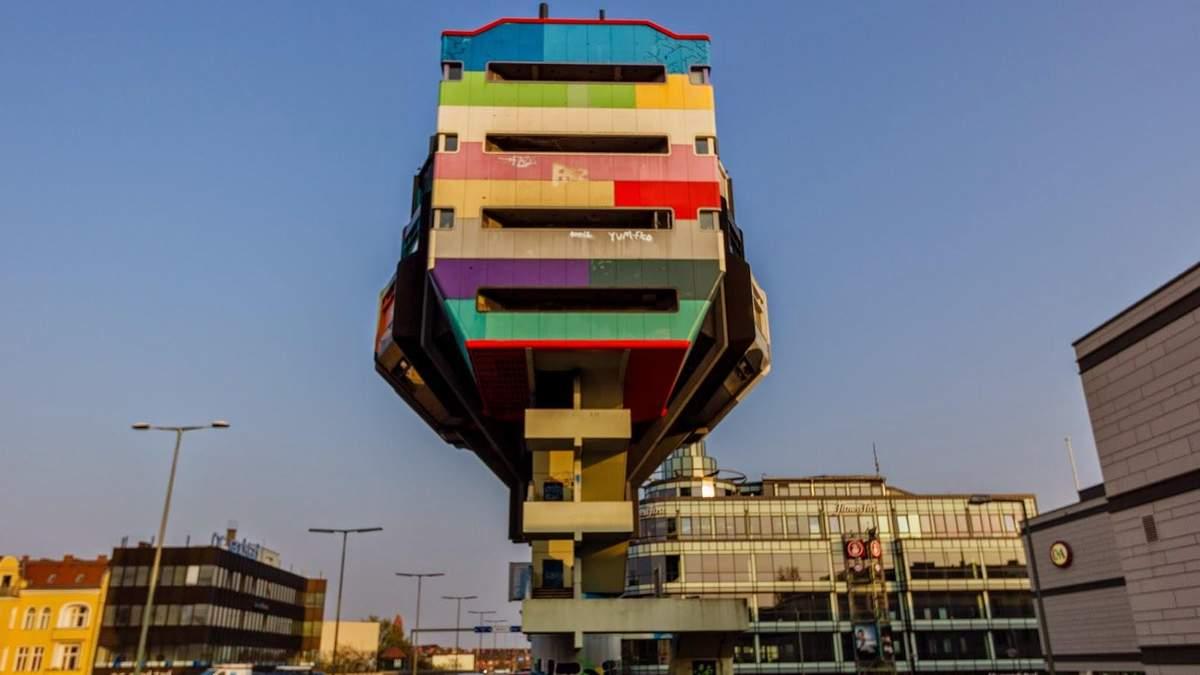 Как выглядят самые необычные здания в мире: фото из разных стран