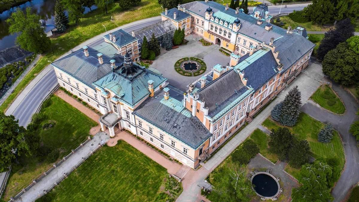 Бывшую готическую крепость продают за 4 миллиона евро в Чехии: фото
