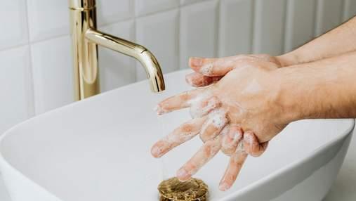 Как отмыть суперклей от рук: 5 действенных способов