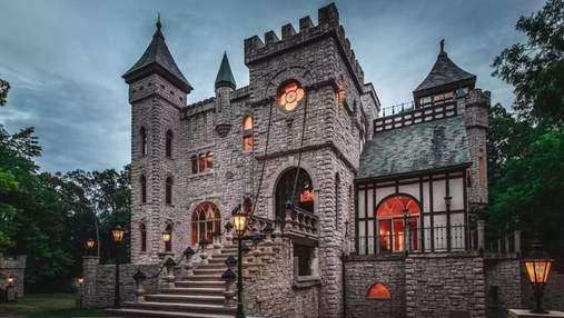 Унікальне капіталовкладення: у США продається химерний замок із пастками у стилі Середньовіччя