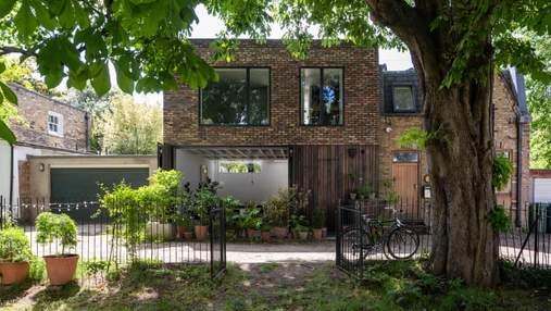 Пара превратила заброшенный гараж в стильное семейное жилище: фото фантастического результата