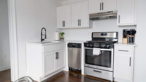 Як облаштувати невелику кухню: корисні поради з фото
