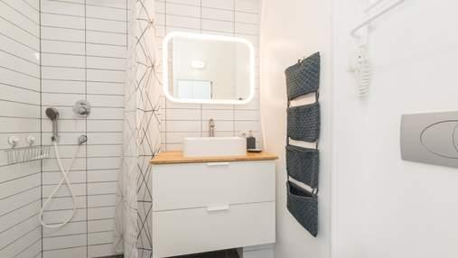 Жінка, яка не могла дозволити собі нову ванну кімнату, повністю переробила її за 80 доларів